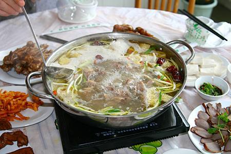 花溪清汤鹅(资料图)-贵州最怪的菜 贵州美食之最